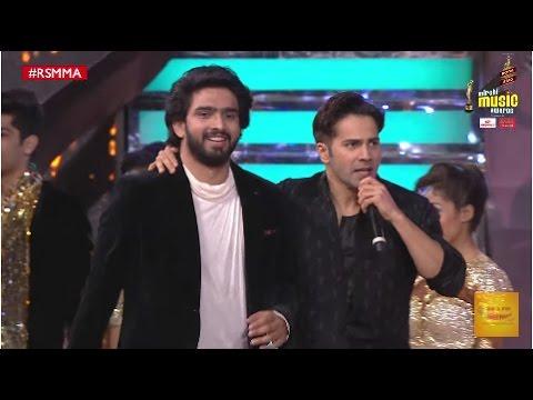 Amaal Mallik and Varun Dhawan perform to Ashiq Surrender Hua at the 9th Mirchi Music Awards | #RSMMA
