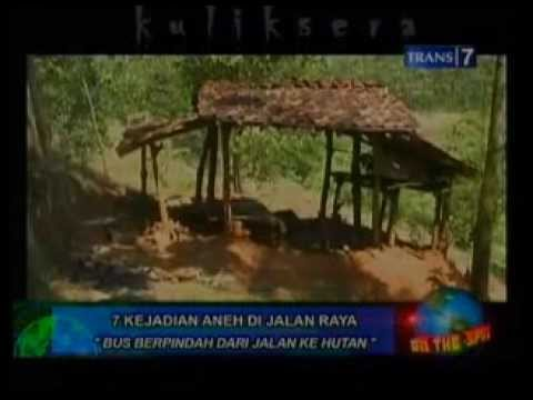 On The Spot   7 Kejadian Aneh Di Jalan Travel Video