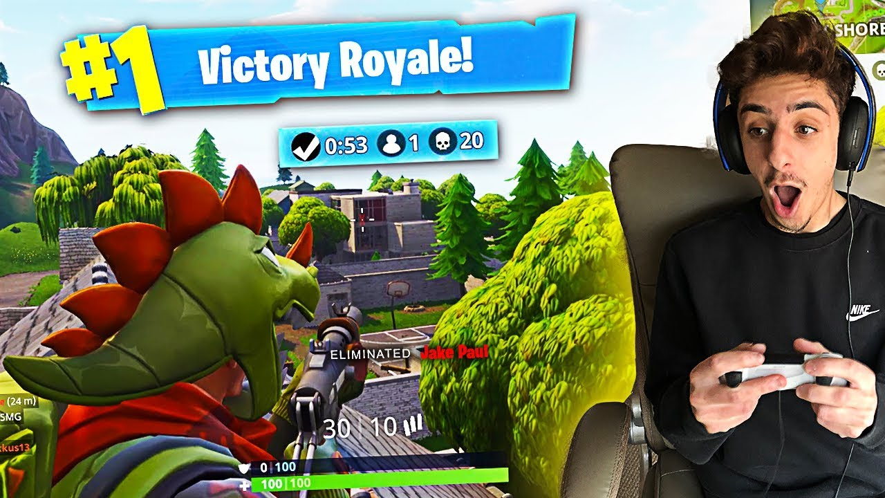 MY FIRST EVER SOLO VICTORY ON FORTNITE