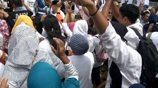 Repeat youtube video (AJENG) Agus Harimurti, Ahmad Dhani, Mulan Jameela, Joy Tobing Joget Maumere