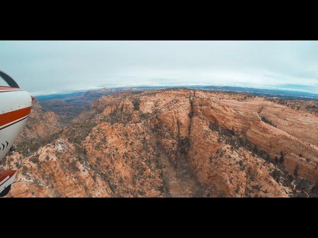 Flying Over Southern Utah - Cessna 182