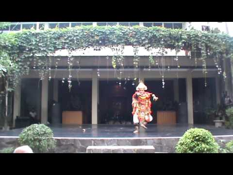 I Gede Radiana Putra - Baris Dance (Traditional Balinese)
