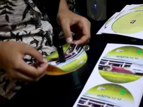 Copy CD Kilat] Cara membuat / memasang label CD atau DVD