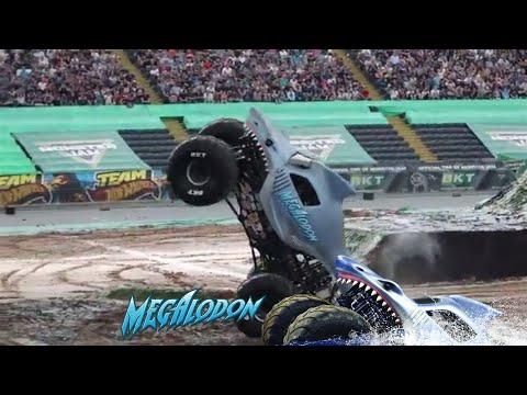 Awesome Megalodon Monster Jam Truck Wheelie | Frankfurt 2018