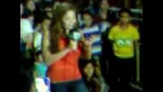 Gretchen Fullido reporting live @ MMFF2013 Quirino Grandstand