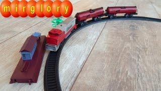 Собираем железную дорогу Видео для детей про паровозик mirglory(Представляем вам игрушечный Паровозик и машинки. Собираем железную дорогу - видео для детей про машинки..., 2016-04-04T21:42:23.000Z)