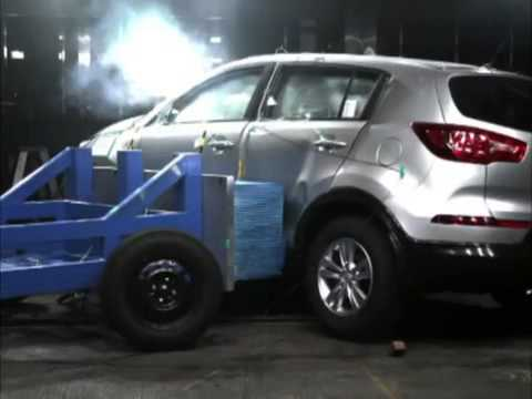 2014 new kia sportage crash test side impact youtube. Black Bedroom Furniture Sets. Home Design Ideas