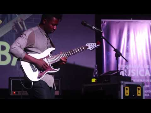 """Tosin Abasi - Animals As Leaders - """"The Woven Web"""" Live Bogotá, Colombia."""