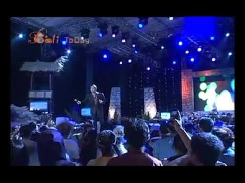 Marcell Siahaan and Dwiki Dharmawan at Concert for Komodo Part 2