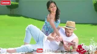 Aati Hai Woh Aise Chal Ke song
