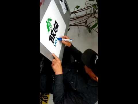 Henry making the Brisa sign... Fascinating craftmanship.