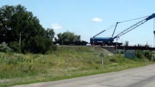 Ремонт взорванного моста г.Орехов Запорожская область(Как и когда взорвали мост можно узнать здесь ..., 2014-06-28T16:59:00.000Z)