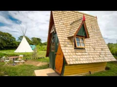 Whimsical and Funky Tiny Cabin: The Jack Sparrow House