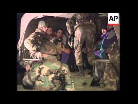 BOSNIA: TUZLA: GOVERNMENT RELEASE A HUNDRED PRISONERS OF WAR