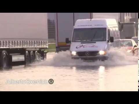 La intensa lluvia causa inundaciones en O Porriño