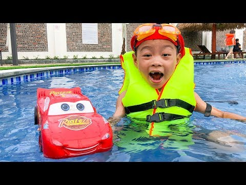 Car for kids Lightning Mcqueen go swimming with Dave Mario and brother