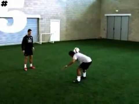 Cristiano Ronaldo Freestyle  Skills (Rio Ferdinand 5 Magazine)