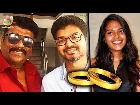 Parthiban invites Vijay for his daughter's wedding