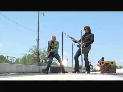 billy-ray-cyrus---making-the-video---real-gone