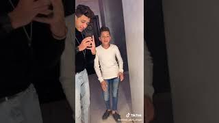Karwan masr     اغنيه كل واحد عنده سر غناء اسلام الكروان واحمد عبدو