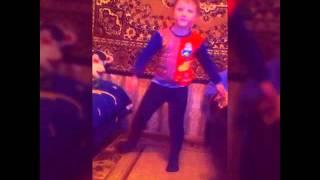 Моя брат танцор!!!
