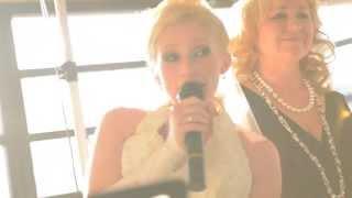 Свадебный сюрприз невесты жениху  на свадьбе в Германии