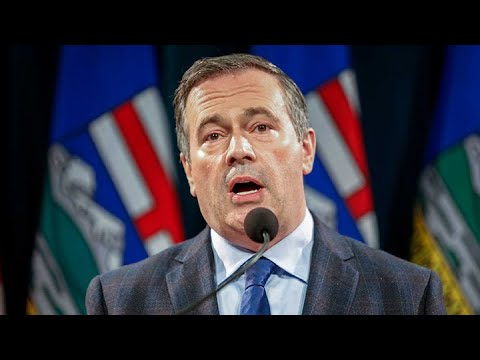 Jason Kenney announces vaccine passports as cases soar in Alta.
