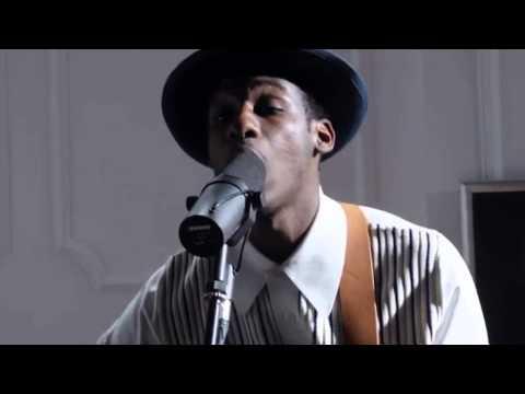 Smooth Sailin' (Live) -Leon Bridges