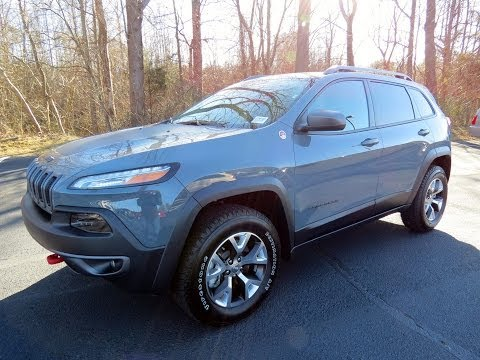 2014 Jeep Cherokee Trailhawk 4X4 (V6 and 4 Cyl) Start Up, Exhaust, and In Depth Review