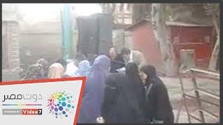 مسيرة نسائية تصل لجنة منشأة القناطر للمشاركة بالاستفتاء