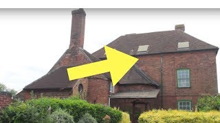 After Two Siblings Died And Left Their House Derelict, Auctioneers Made A Bizarre Discovery