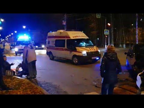 Две автоледи столкнулись на Островского. Пострадали три человека. Сургут.