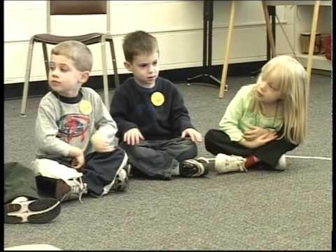 Musical Story Can Storytelling - St. Patrick's Day with Julie Austin and preschool children