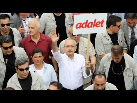 آلاف المتظاهرين في أنقرة يتعهدون بالسير إلى إسطنبول احتجاجا على اعتقال نائب  - 18:22-2017 / 6 / 15