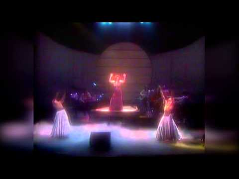 Kate Bush  The tour of Life HD LPR Remastering  at Hammersmith Odeon 79