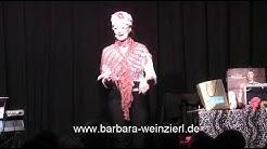 Barbara Weinzierl Kabarett Live aus dem Schlachthof. Frau Schmackenborn
