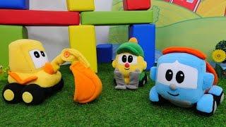 Video mit Spielzeugautos:  Leo Junior baut einen Spielplatz.