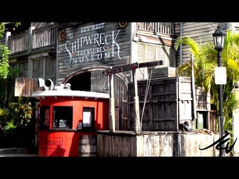 Walking tour of Mallory Square in Key West Florida