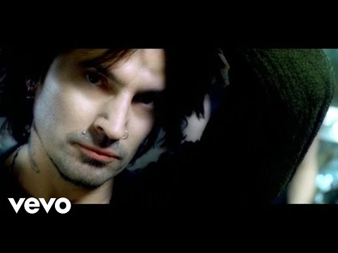 Клип Tommy Lee - Hold Me Down