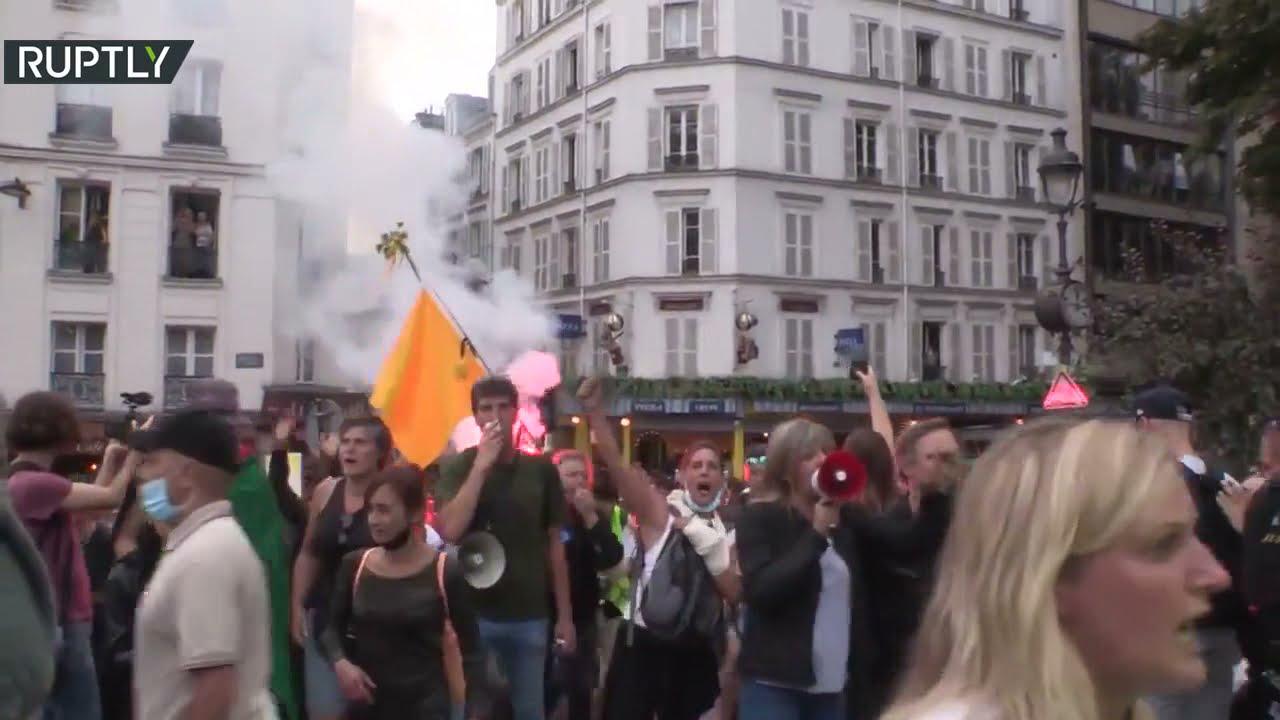احتجاجات حاشدة ضد قيود كورونا في باريس