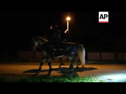Some 2,000 Migrants Cross Into Slovenia On Foot