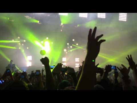 "Major Lazer - Intro / ""Stay"" / ""Mashup The Dance"" Pier 94 NYC 12/30/13"