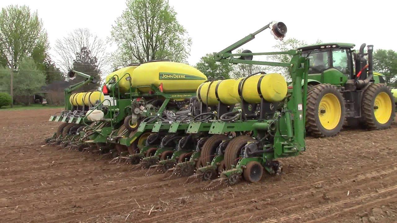 John Deere 9410r And 1790 Planting Corn Youtube