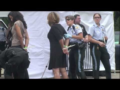 Naomi Klein Arrested Protesting Tar Sands Outside White House