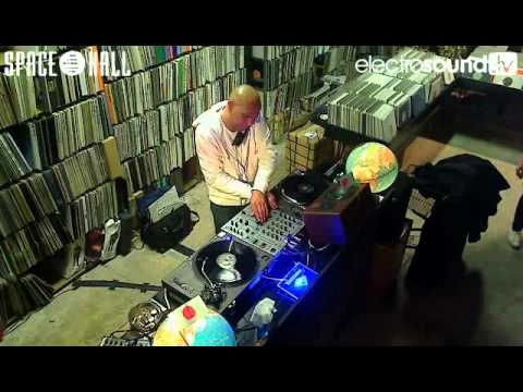 Live WebTV | Tapedeck from the Spacehall with Mathias Meindl on decks Jerome Sydenham
