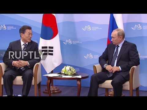 Russia: Putin meets South Korea's Moon at EEF in Vladivostok