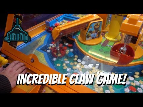 this claw machine is filled with water amazing arcade games at round 1 ny youtube. Black Bedroom Furniture Sets. Home Design Ideas