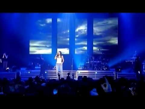 Laura Pausini - Tra Te e Il Mare (Live in Paris 05)