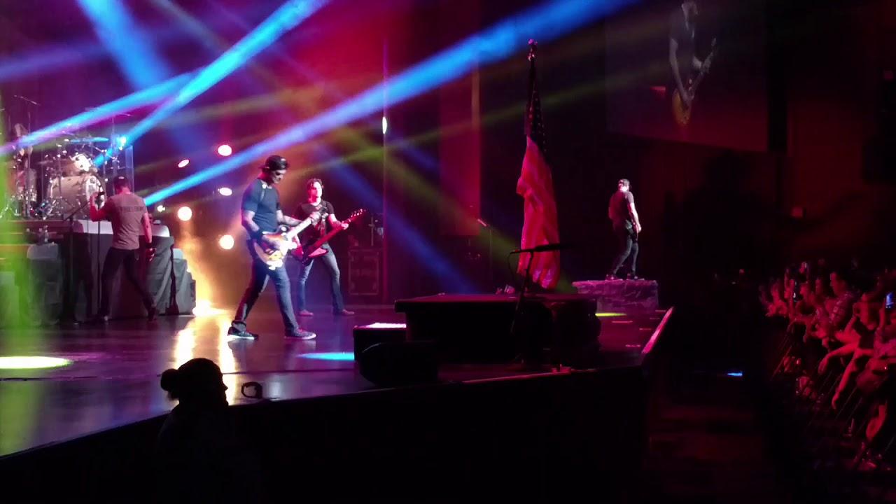 3 Doors Down  Kryptonite  Live Cherokee NC 10/21/17 & 3 Doors Down