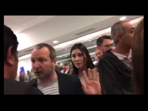Insultaron a Sabbatella en un aeropuerto y no pudo viajar